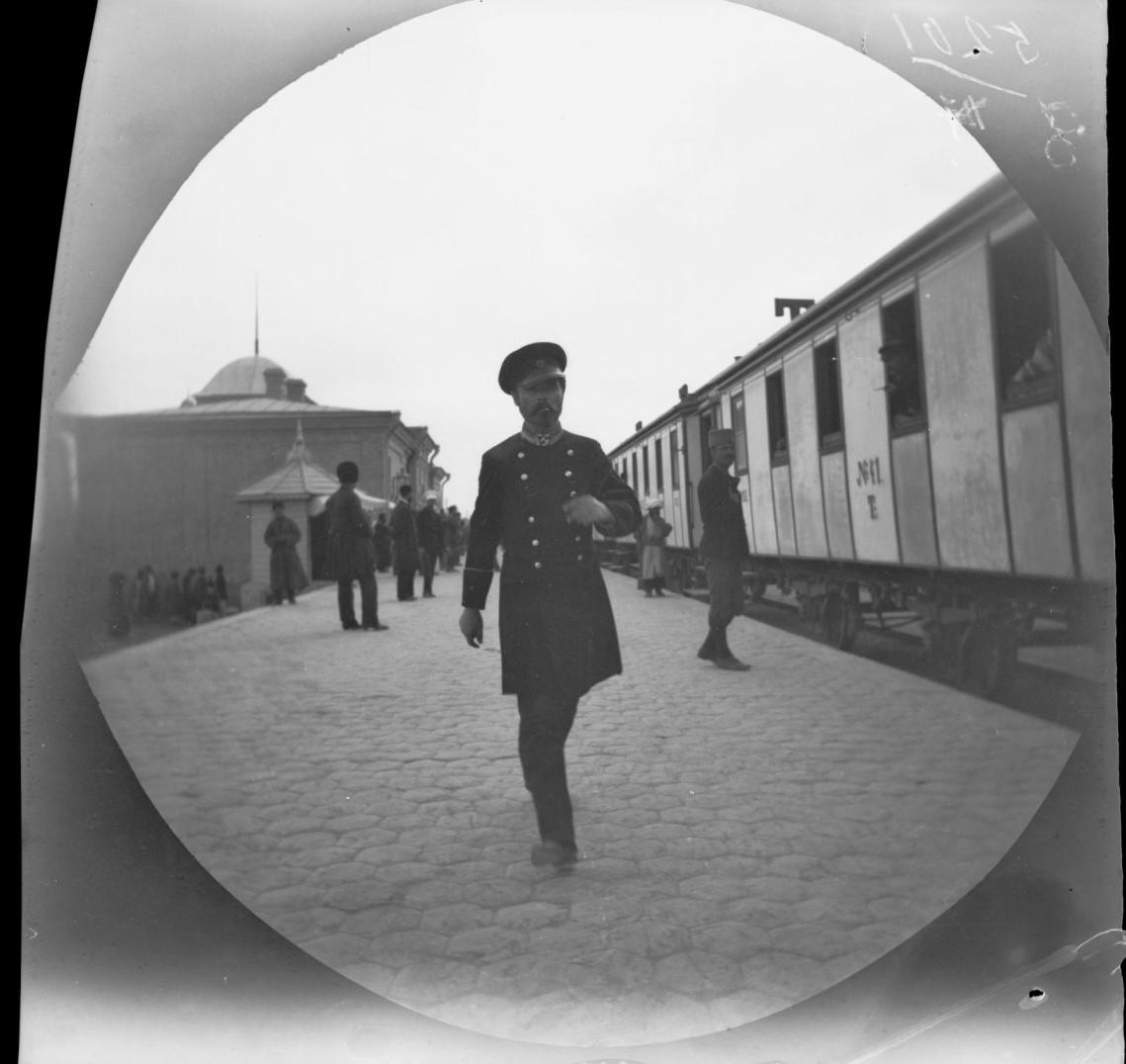 Туркистон саёҳати, 1891 йил. Томас Аллен